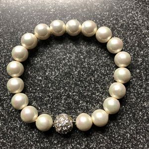 Jewelry - Pearl and crystal bracelet